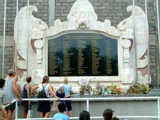 Bali minns bombdaden tio ar senare