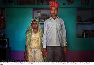 Maya, 8, and Kishore, 13, bröllopsfoto, Indien