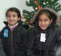Khalils döttrar får vinterkläder