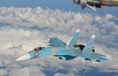 Su-27-intercepted