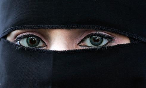 The Muslim niqab
