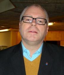 Arne Andersson har inte råd att flagga