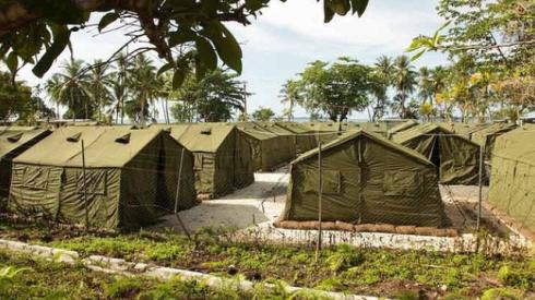 Tältläger i stället för asylslott erbjuds illegala invandrare