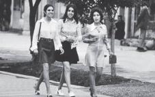 Kabul 1972 - sedan tog islamister över och de påstår att kvinnorna går i tält frivilligt