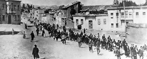Armenier tvingas bort 1915