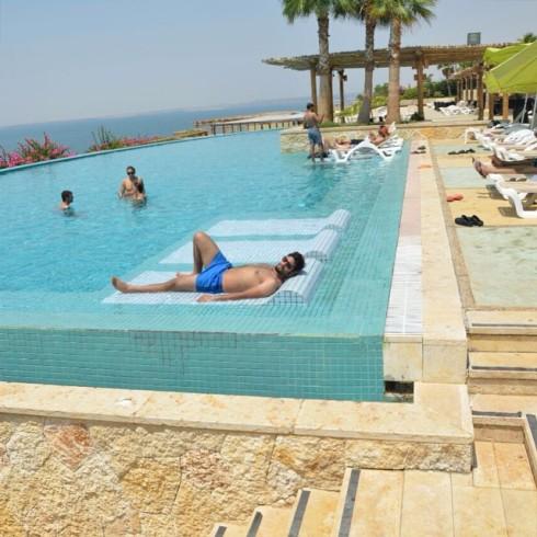 Döda havet var plågsamt under flykten för 22 veckor sedan