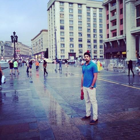 Nu är vår flykting i Moskva men det duger tydligen inte