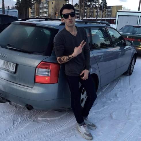 Den eftersökta bilen med Amini Romal. Observera att vi inte vet om han inblandat.