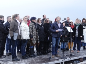 Milan Orbadovic (S) håller tal på Sibbarp Valborgsmässoafton
