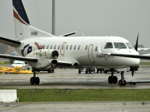 SAAB 340 tappade en propeller   Petterssons gör Sverige lagom!