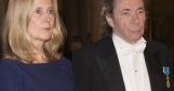 Akademiledamot Frostensson med våldtäktsdömde Arnault ser inte så glada ut på Nobelfesten.