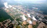 Minst 2000 jättelika kolkraftverk planeras att byggas medan Miljöpartiet jagar svenska bilister.