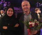 Fatemeh Khavari, den blivande statsministern med Jonas Sjöstedt (V)