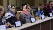 Ann Linde, representant för världens enda feministiska regering besöker Iran. Bild från Irna.